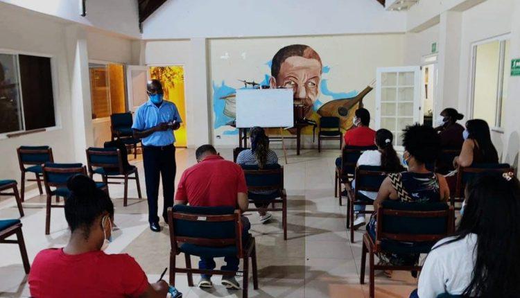 Nutrida participación en clases de kriol - Noticias de Colombia